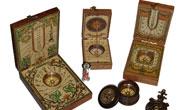 Oggetti da collezione e per il tempo libero: fate, trolls, meridiane e bussole artigianali, pipe artigianali, binocoli, rasoi, penne in ceramica, oggettistica Harley Davidson, pinze leatherman.